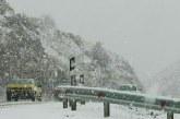 بارش برف در محورهای ارتباطی برون شهری کردستان