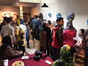 نمایشگاه هنرهای رزینی در کافه گالری شیان