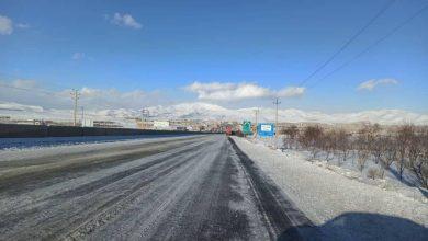 برف، کولاک و یخبندان، جاده ها را بست و مدارس را به تعطیلی کشاند